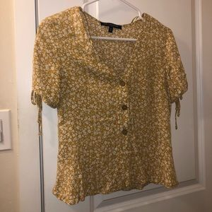 YELLOW FLORAL BUTTON UP SHIRT